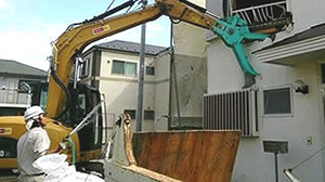 府中市 26坪木造2階建て住宅切り離し解体3