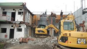 青梅市 鉄骨ブロック造3階建てアパート解体工事10(重機解体)