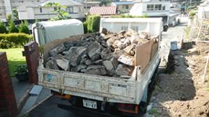 青梅市 鉄骨ブロック造3階建てアパート解体工事13(地中埋設物)