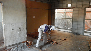 青梅市 鉄骨ブロック造3階建てアパート解体工事6(内装撤去2)