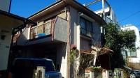 小平市の木造住宅の解体工事。狭いので4トン重機を使用
