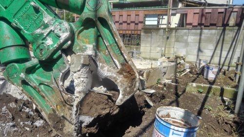 あきる野市 木造解体2 防音養生、躯体解体、基礎コンクリート撤去工事