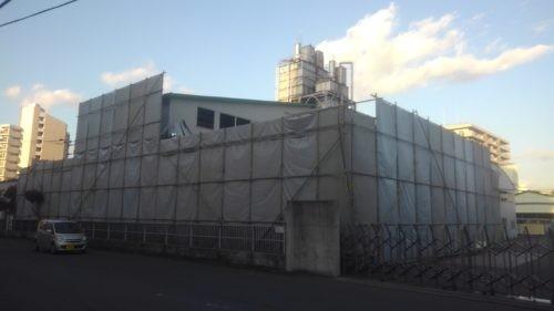 八王子市工場解体工事 単管足場防音シート養生