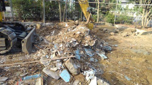 日野市 木造解体工事3 下ゴミ処理作業、基礎撤去工事