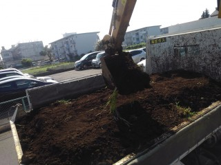 残土積み込み作業写真