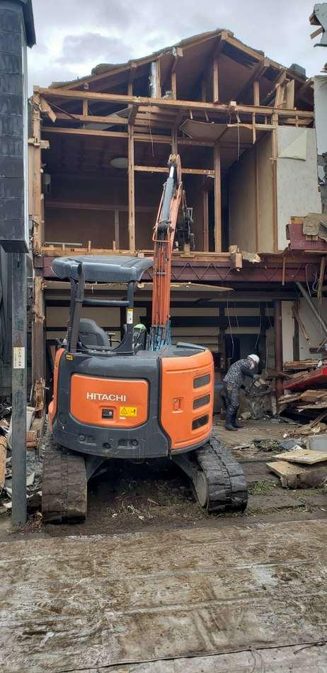 府中市 木造住宅解体工事 足場養生 瓦撤去 建物手作業解体